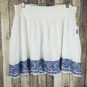 Old Navy white embroidered hem mini skirt